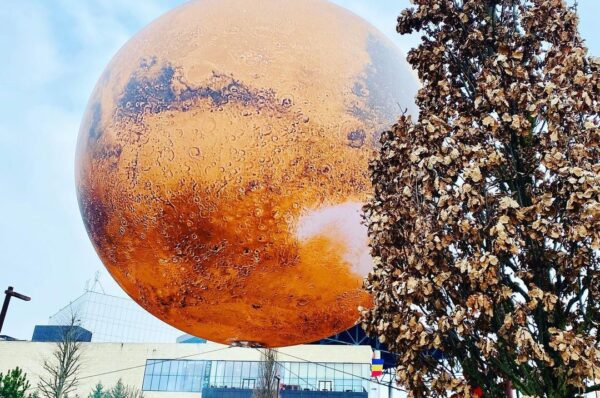 Expozitia Planetei Marte din Parcul Iulius intrerupta din cauza vantului puternic